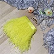 Перья страуса на ленте, желтые